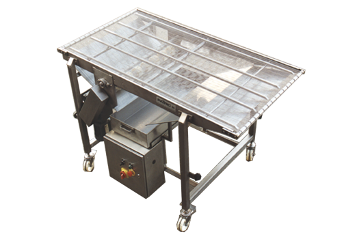 CONVEYOR WITH STAINLESS-STEEL MESH MAT